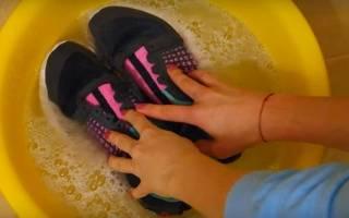 Как стирать кроссовки вручную